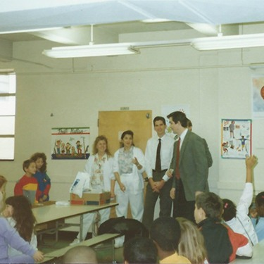 Doctors Clayton Jay and David McCarl presenting at Greenbelt Elementary School in 9189